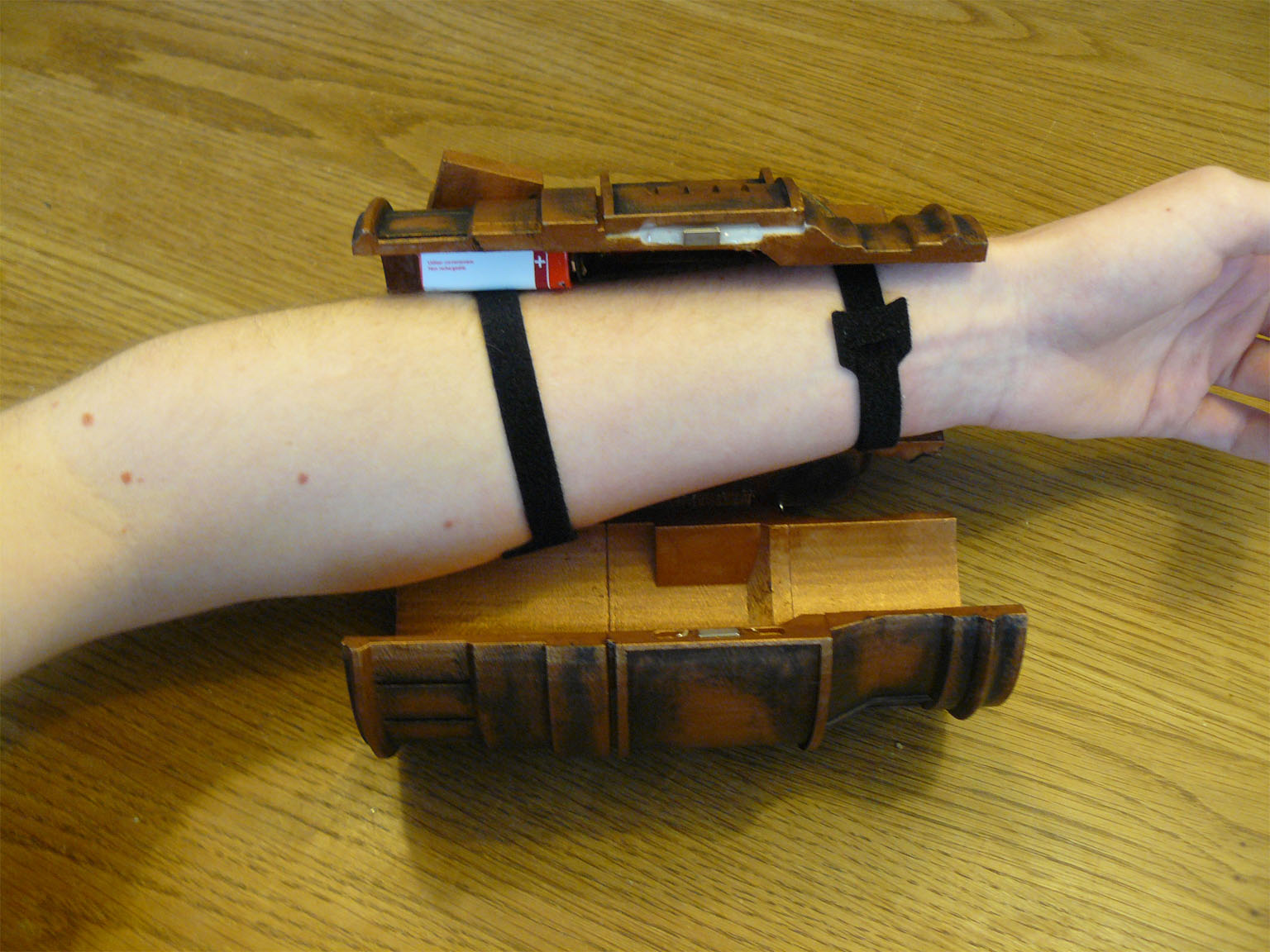 Pip-boy around arm 1