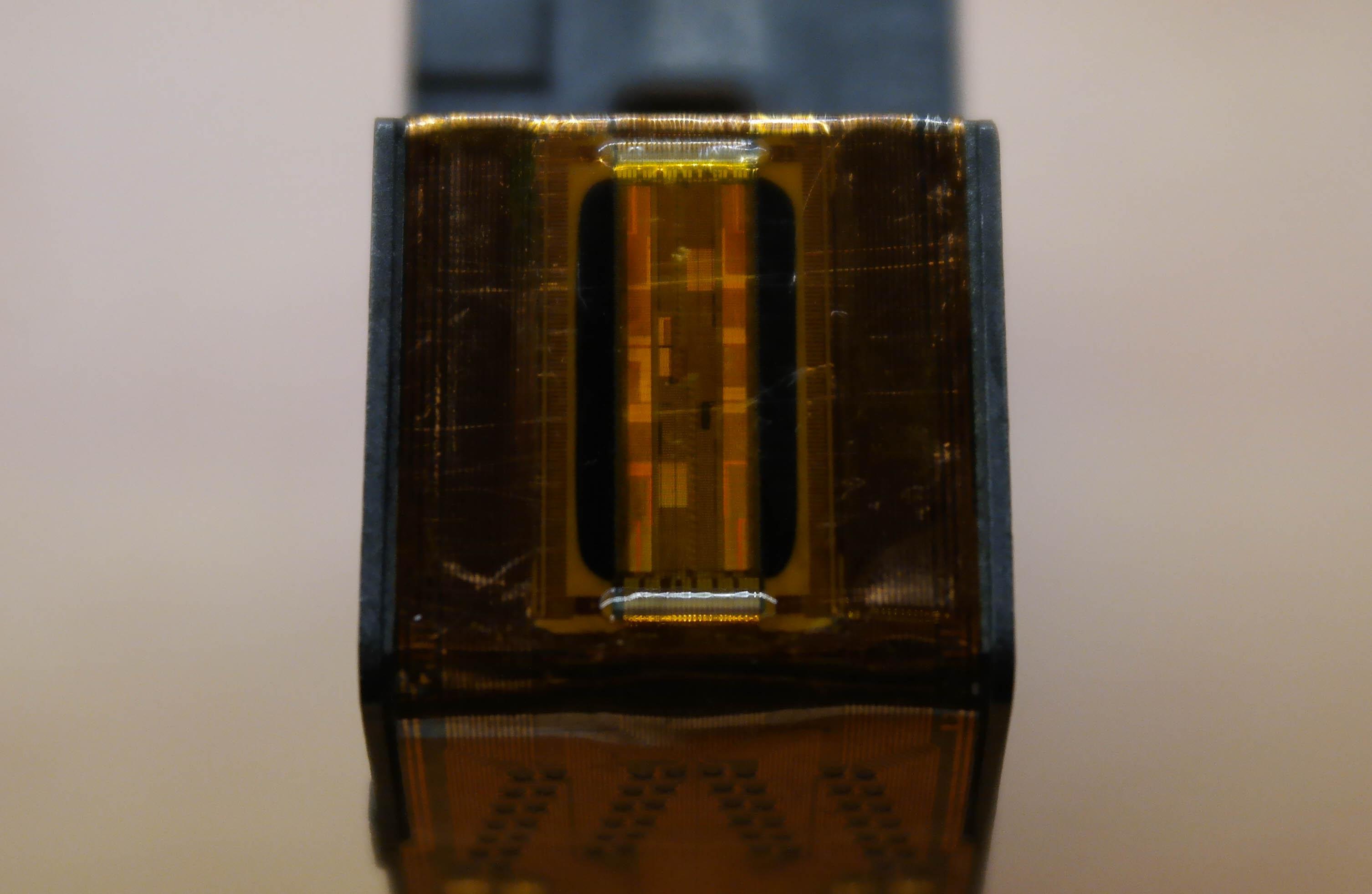 HP45 nozzle die closeup
